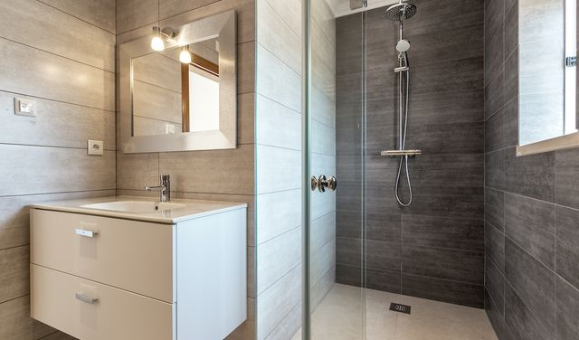 5 chýb pri montáži sprchy