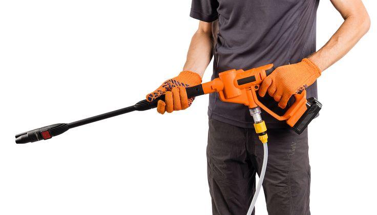 Zvoľte si vhodný postup pri čistení fasády